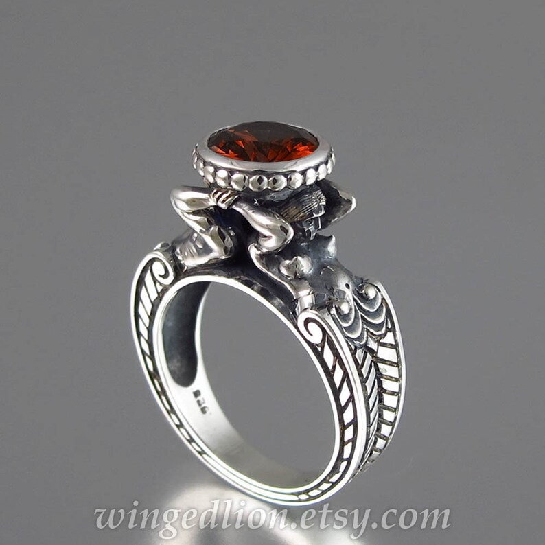 CARYATID Sterling Silver Ring with faceted Garnet image 0