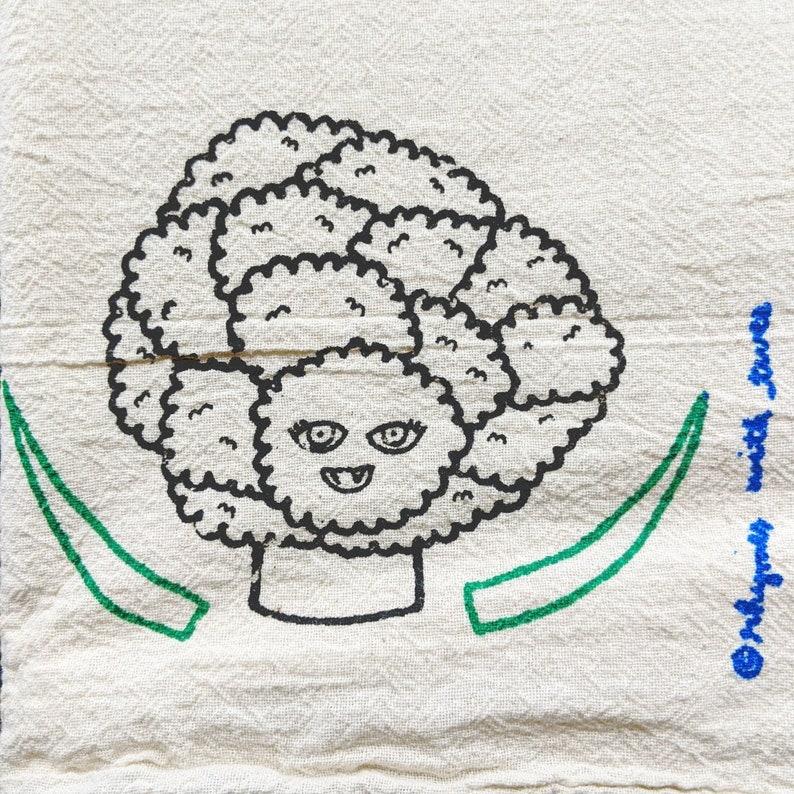 Cauliflower Kitchen Towel REJ CAULIFLOWER Veggie Vampire image 0