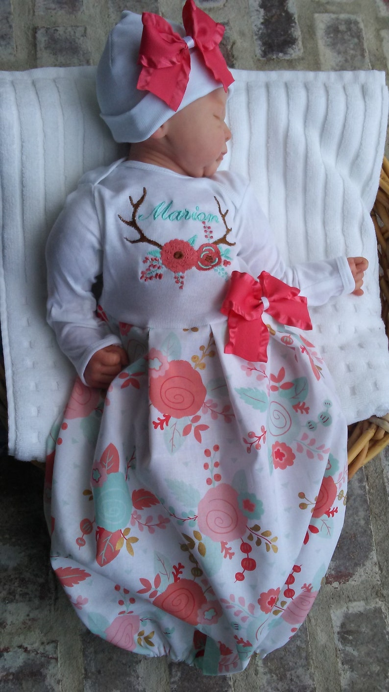 722e8fbda1bcd Tenue de naissance fille Coming Home personnalisé Floral robe