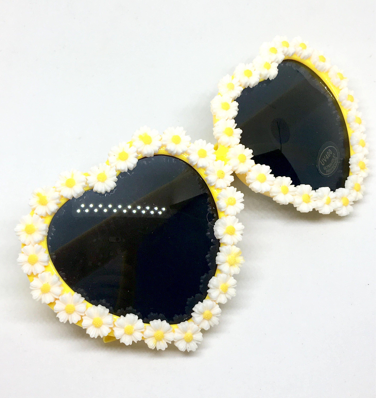609019d4f2 Daisy Chain Heart Shaped Sunglasses Bright Sunny Floral