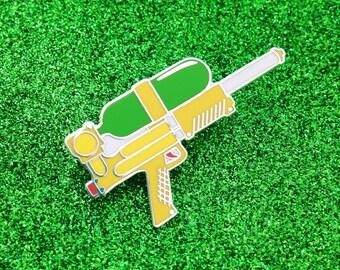 Water Gun Enamel Lapel Pin Badge - Supersoaker 90s Pin