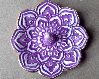 Ceramic  Purple  Lotus Ring Holder Bowl 3 1/4 inches  round with Gold Edge ring holders   Wholesale  available