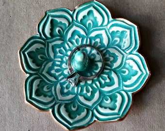 Ceramic Lotus Ring Holder PATINA GREEN edged in gold ring holders
