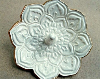 Ceramic OFF WHITE Lotus Ring Holder Ring Bowl Ring Dish with gold edging