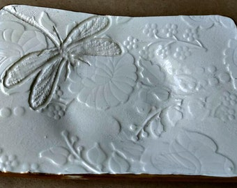 Off white large trinket/soap dish