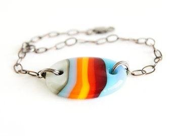Retro colorblock stripe fused glass bracelet, adjustable plus size + petite, OOAK kiln formed glass boho jewelry, 70s bracelet femme bijoux