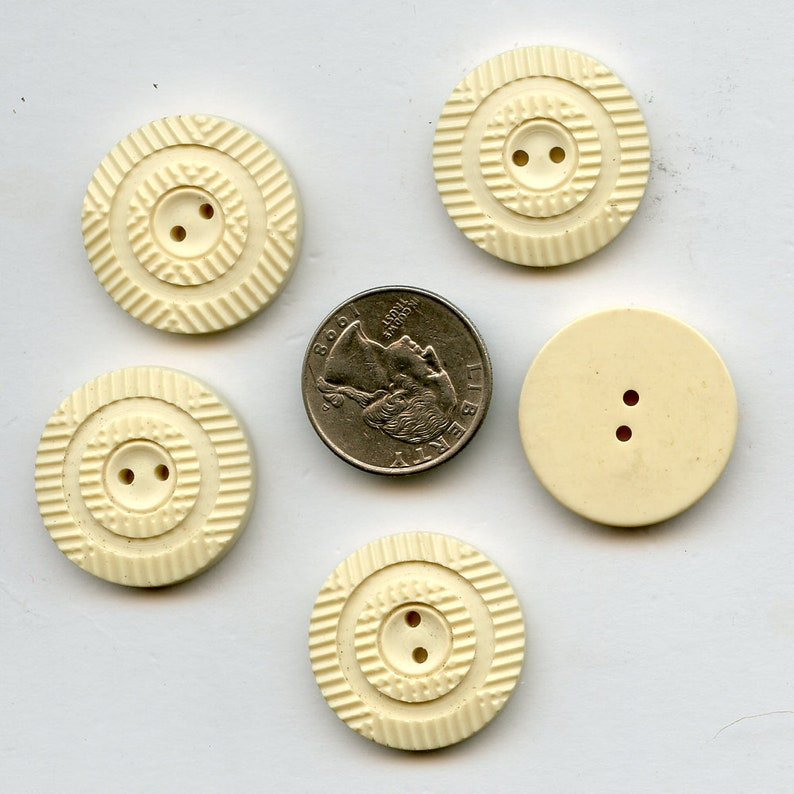 5 Vintage Cream NOS Buttons 1 18 Carved Casein Plastic 8465 MORE AVAILABLE Matching set of