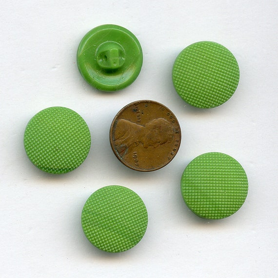 Styles /& Designs Vintage Green Glass Buttons in Assorted Sizes