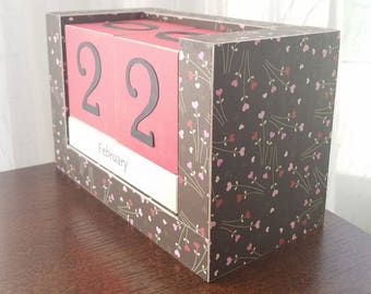 Handmade Perpetual Wooden Block Calendar, Pink and Red Heart Wild Flowers on Brown, Desk Decor, Cubicle Swag, Calendar Blocks, Ready to Ship