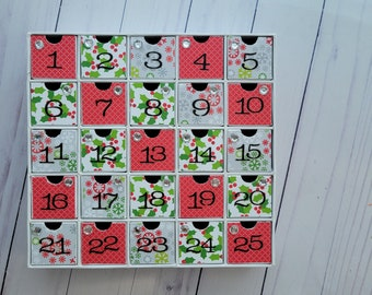 SALE - Small Chipboard Advent Calendar - Contemporary Holiday Christmas Snowflake Countdown - Snowy Day and Holly Leaves