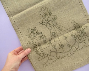 Vintage Linen Table Runner with Lady Design Ready to Embroider, embroidery pattern, embroidery kit, needlework, 30 x 128 cm
