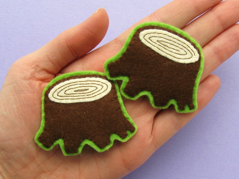 SAMPLE  Tree Stump Brooch fun felt woodland jewellery image 0