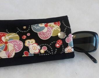 Glasses case or smartphone case Japanese chirimen floral silk Phone case handmade japanese fabric sunglasses case
