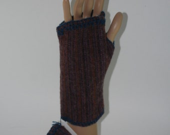 Fingerless Mitts Gloves Handwarmers Hand Embroidered 100% wool