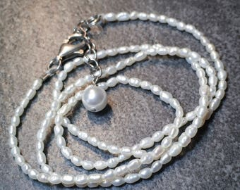 Tiny Pearl Necklac