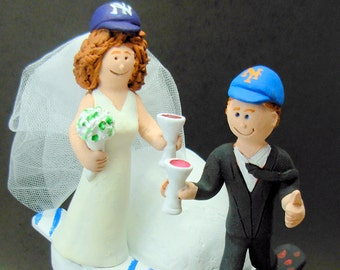SnowBoarder's Wedding Cake Topper, Snowboarding Wedding Cake Topper, Snowboarding Bride and Groom Wedding Cake Topper, Snowboarding Figurine