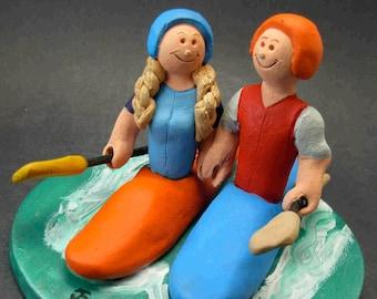 Kayaking Wedding Cake Topper, Kayak Wedding Cake Topper, Kayakers Wedding Cake Topper, Bride and Groom in Kayaks Wedding Cake Topper