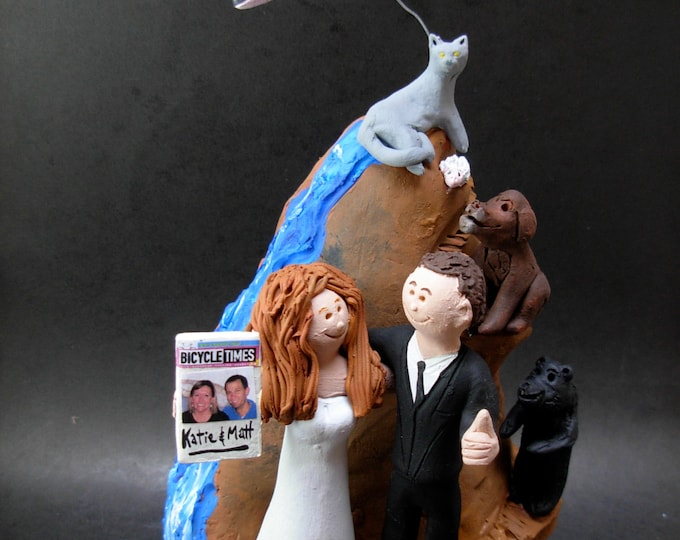 Rock Climbers Wedding Cake Topper, Wedding CakeTopper for Rock Climbing Bride and Groom, Mountain Climbers Wedding Cake Topper