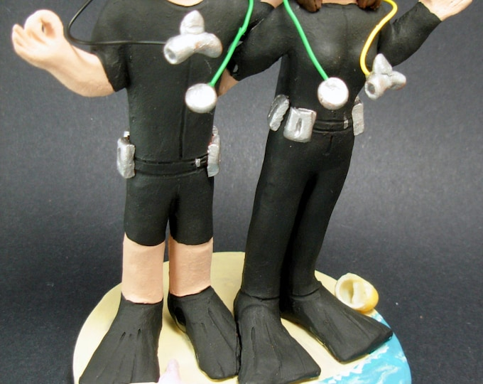 Scuba Wedding Cake Topper, Skin Diver's Wedding Cake Topper, Diving WetSuits Wedding Cake Topper, Scuba Diving Bride and Groom Cake Topper
