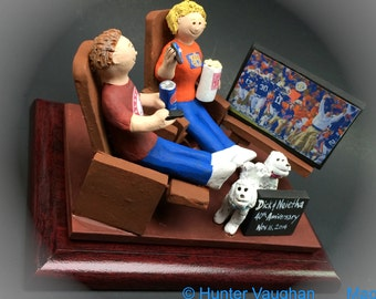40th Wedding Anniversary Caketopper - Custom Made Anniversary Figurine, Mom and Dad Watching TV Anniversary Gift