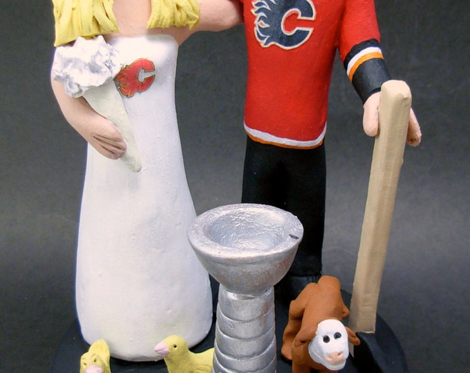 Calgary Flames Hockey Wedding Cake Topper, Calgary Flames Bride and Groom Wedding Cake Topper, Calgary Flames Wedding Anniversary Gift