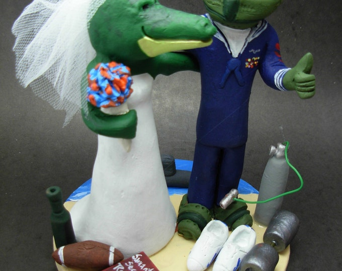 "Halo's ""Master Chief"" Wedding Cake Topper -  Alberta Alligator Wedding Cake Topper, Video Gamer Wedding Cake Topper, Halo Video Game Wedding"