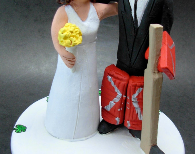 Hockey Goalie Groom Wedding Cake Topper, Hockey Bride and Groom Wedding Cake Topper, Anniversary Gift for a Hockey Couple, Hockey Caketopper