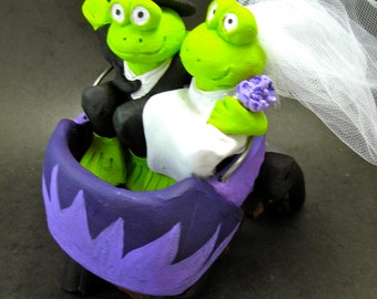 Frogs in Roller Coaster Wedding Cake Topper, Top Hat Frog Groom Wedding Cake Topper,Wedding Cake Topper, roller coaster Wedding Cake Topper