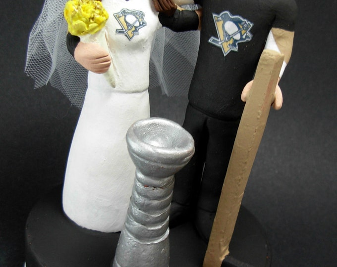 Pittsburg Penguins Hockey Wedding Cake Topper, Pittsburg Penguins Wedding Anniversary Gift, Wedding Statue for Hockey Bride and Groom