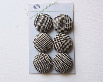 buttons, black and white, Bouche cousue, buttons recovered with fabric, cotton, couture, buttons, craft project, sewing art, tweed, recup