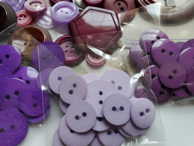 Fifty Cottage Chic Buttons .. Shades of Purple plus Thread  .. Buttons. 50