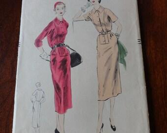 Vintage 50s Vogue 7922 Slim skirt Dress pattern size 16 B34