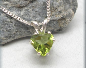 Peridot Heart Necklace, August Birthstone Jewelry, Sterling Silver, Gemstone Pendant, Peridot Pendant, Birthday Gift, Solitaire