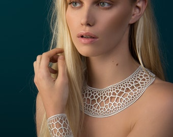 Corollaria Necklace | lasercut rubber jewelry | statement necklace | Corollaria collection