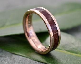 Hammered Lados Rose Gold Comfort Fit Carbon Wood Ring, Rose Gold Wood Wedding Band, Pink Gold Wedding Ring, Rose Gold Mens Wedding Band