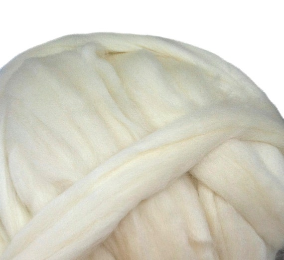 Off White Corriedale Cross Wool Roving, 4 oz natural white Corriedale Cross wool roving, Saori Weaving, natural white roving