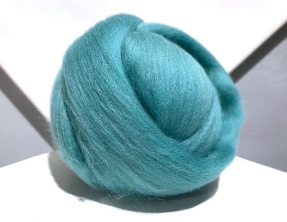 Turquoise Merino wool roving, Needle Felting Spinning wool, aqua roving, light blue green Merino roving