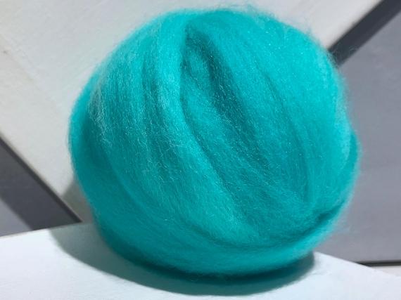 Bright Aqua Blue Wool Roving, Needle Felting, Spinning Fiber, blue green roving, greenish blue, aquamarine roving,  Saori weaving