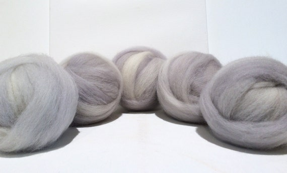 Dove Grey wool roving, Felting wool, beginner Spinning Fiber, pale grey roving, gray light ash smoke silver
