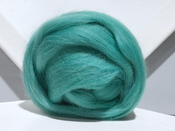 Apple Jade Merino Roving, light teal wool roving, Needle Felting, Spinning Fiber, light teal, bright turquoise, aqua green roving