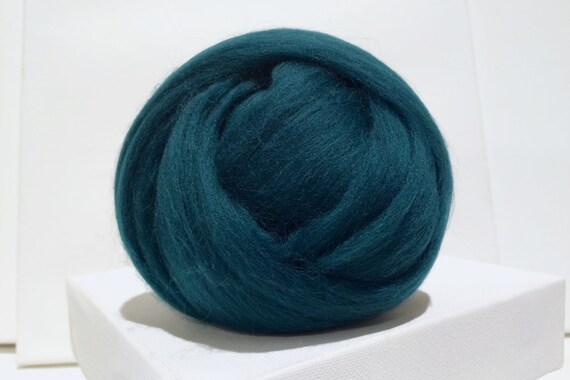 Hunter Green Merino Wool Roving, blue green merino roving, Forest Green merino roving, Needle Felting, Spinning Fibers, Wet felting roving