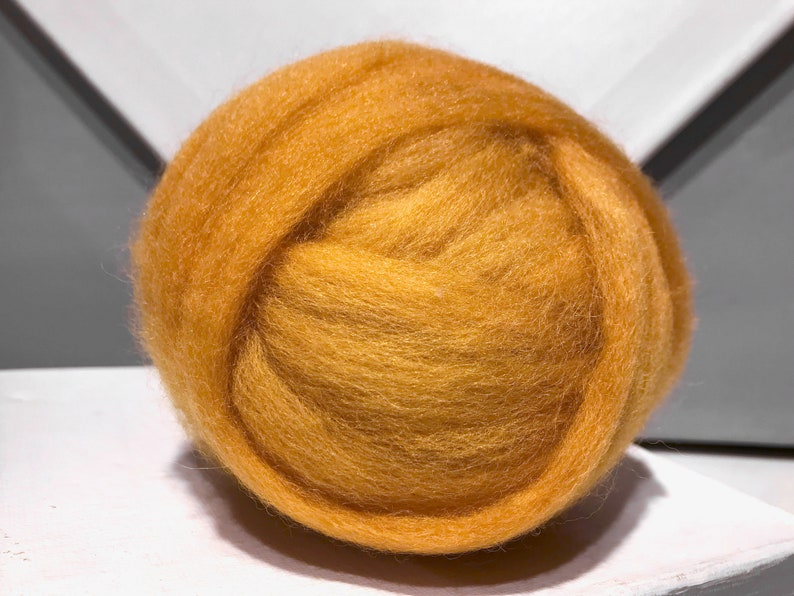 Maize yellow wool roving roving Spinning Fiber wool top,sunshine yellow bright yellow Yellow gold Felting wool