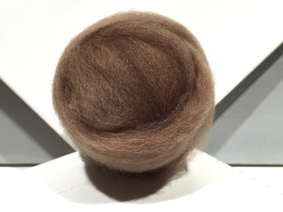 "Light Brown wool roving ""Pecan"" Felting wool, Spinning Fiber, light, neutral brown, dark tan wool roving"