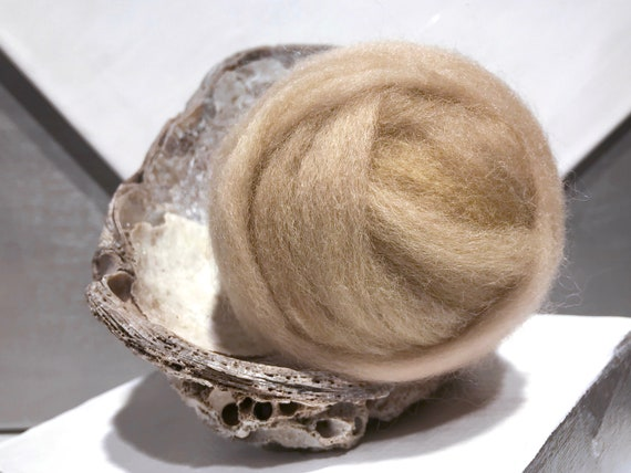 "Tan Wool Roving ""Bisque"" Needle Felting wool, Spinning Fiber, beige, tan, sand, buff, neutral, Saori weaving"
