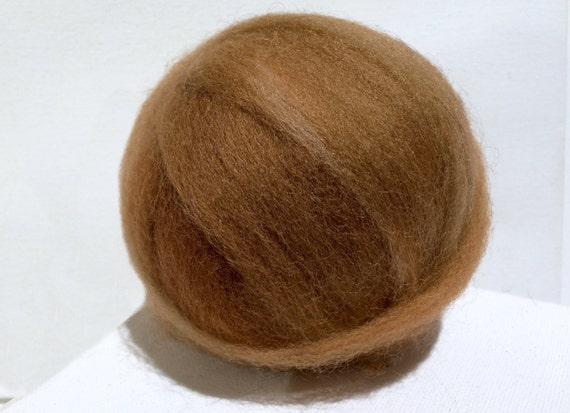 Tawny Yellow brown roving top, Felting Spinning Fiber, brown mustard, light brown roving, dark mustard roving