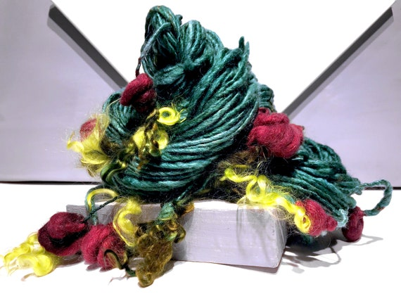 "Thick Thin Art Yarn, bulky handspun yarn ""Dozen Red Roses"" Spruce Green, Olive, Chartreuse, Red Crochet Knitting weaving yarn, DIY Gift"