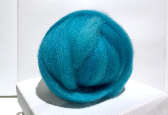 Ocean Blue Wool Roving,  Blue Wool Roving, Needle Felting, Spinning Fiber, blue green roving, blue turquoise wool roving