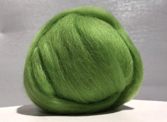 "Yellow Green merino ""Kiwi"" wool roving, Needle Felting wool, Spinning Fiber, spring apple green, Merino roving, wet felting, nuno felting"