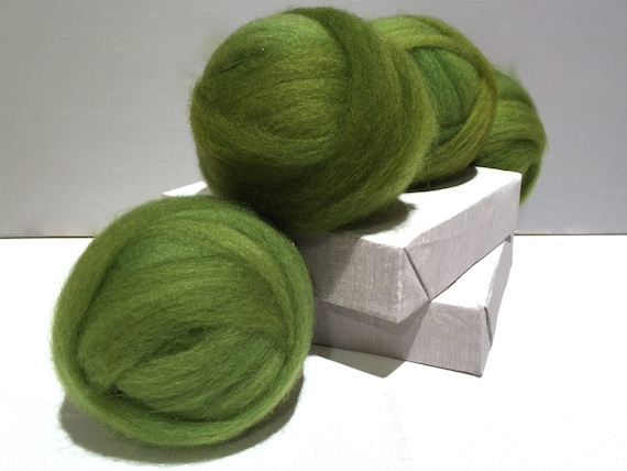Green Clover wool roving, Spinning Fiber, Needle Felting wool, spring apple green, variegated yellow green roving