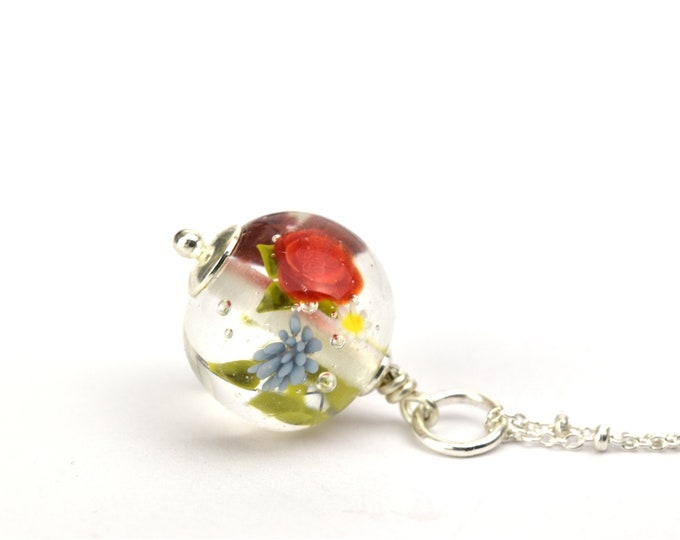 Marianne - Long Necklace in glass and sterling silver 50cm - Floral jewelry - Dark and bright red roses